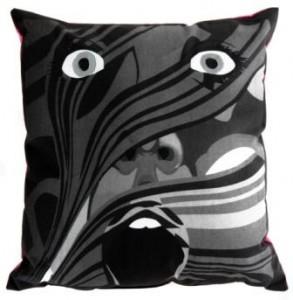 Screaming Pillow BW