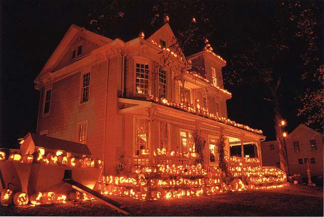 halloween-pumpkin-house