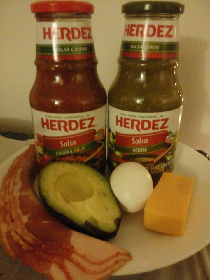 HERDEZ Baked Egg Avocado Bowl Prep